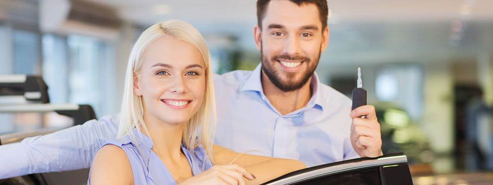 couple-buying-used-car
